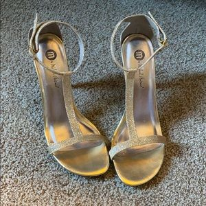 M by Michael Antonio gold Heels - size 8